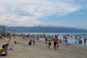 Đà Nẵng dừng hoạt động tắm biển, bán hàng ăn uống tại chỗ