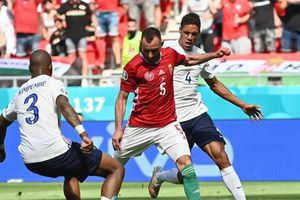 Hungary 1-1 Pháp: Nhà vô địch World Cup hút chết trên Puskas Arena
