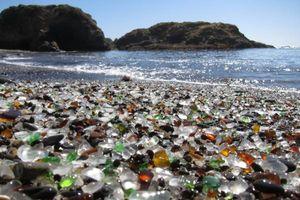 Chiêm ngưỡng 'bãi biển pha lê' tuyệt đẹp ở Mỹ