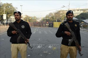 Pakistan: Xả súng nhằm vào xe chở giáo viên khiến 4 cô giáo bị thương