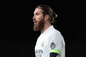 Mourinho khuyên Ramos nên tới Chelsea thay vì Man United