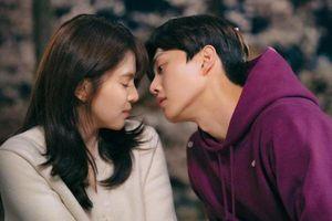 'Tiểu tam' Han So Hee rơi vào 'lưới tình' của 'mỹ nam đẹp hơn hoa' Song Kang