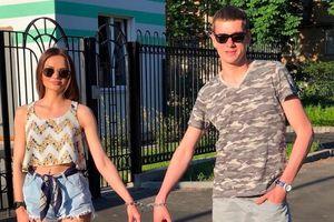 Cặp đôi tan vỡ sau 123 ngày khóa xích vào nhau: 'Cuối cùng tôi cũng được tự do'