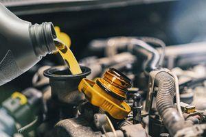 Kinh nghiệm lựa chọn dầu nhớt phù hợp xe ô tô
