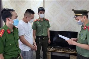 Bắt một đối tượng ở lại Việt Nam trái phép