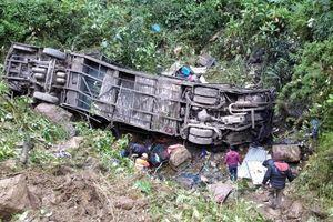 Xe buýt lật và rơi xuống khe núi ở Peru, ít nhất 27 người thiệt mạng
