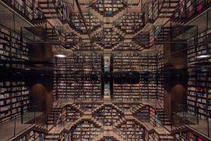 'Hiệu sách vô cực' trêu đùa thị giác của du khách bằng 'không gian siêu thực'