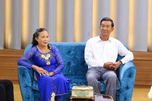 Cảm phục người vợ lo cho chồng 70 tuổi học hết thạc sĩ