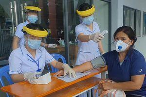 Cận cảnh tiêm vaccine ở quận Bình Thạnh