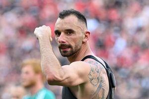 Hungary ăn mừng chiến tích cầm chân tuyển Pháp