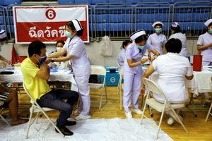 Phuket cấp tốc tiêm vaccine để mở cửa trước mùa du lịch