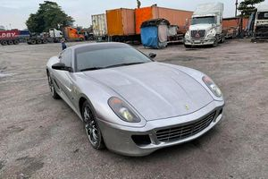 Ngắm 'nhan sắc' siêu xe Ferrari 599 GTB của đại gia Hải Phòng
