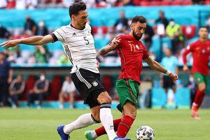 Bruno Fernandes bị chỉ trích gay gắt vì tiếp tục 'tàng hình' ở trận gặp Đức