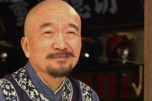 Hai lần đối xử 'tuyệt tình' với con trai độc nhất khiến 'Tể tướng Lưu gù' trở thành người cha hà khắc nhất Cbiz