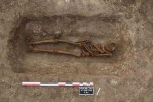 Hé lộ bí ẩn phong tục đào lại ngôi mộ cổ cách đây 1.400 năm