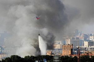 Cháy lớn kho pháo hoa tại Moscow