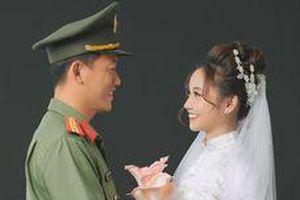 Nữ phóng viên 3 lần hoãn cưới để phòng chống dịch