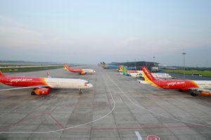 Máy bay của các hãng hàng không 'đắp chiếu' tại sân bay Nội Bài