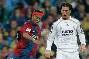 Ronaldinho châm chọc Ramos nhưng bị đáp trả đau đớn