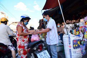 Tạm đóng cửa chợ Sơn Kỳ ở TP.HCM