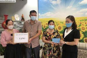 Hội LHPN TP Hải Phòng thăm hỏi, tặng quà gia đình 20 cán bộ Hội tiêu biểu