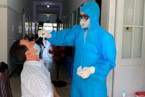 Đồng Nai: 5.600 cán bộ, giáo viên tham gia kỳ thi THPT được xét nghiệm SARS-CoV-2