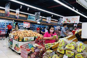 Hoàng hóa chất đầy kệ, người Sài Gòn không cần lo thiếu thực phẩm