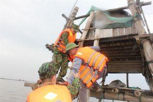 Thái Bình: Trên 300 người tham gia diễn tập phòng, chống lụt, bão, tìm kiếm cứu hộ, cứu nạn trên biển