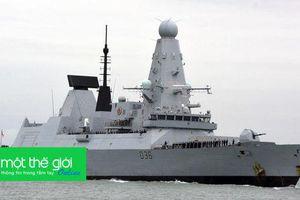Nga tuyên bố có thể bắn, thả bom vào tàu chiến xâm nhập, Thủ tướng Anh phản pháo