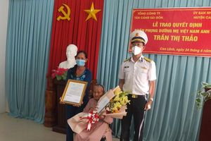 Nhận phụng dưỡng suốt đời Mẹ Việt Nam Anh hùng Trần Thị Thảo