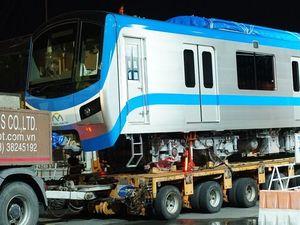 Hành trình vận chuyển tàu metro xuyên đêm