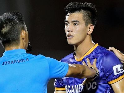 Cựu HLV tuyển Việt Nam đề cao tính truyền thống và cảm thấy phù hợp với chính sách dùng cầu thủ trẻ ở CLB Bình Dương.