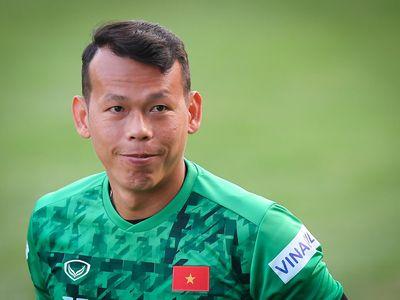 Trang JoongAng Ilbo của Hàn Quốc coi thủ thành Bùi Tấn Trường là một trong số ít nhân vật đặc biệt của tuyển Việt Nam.
