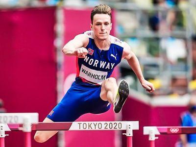 Sáng 3/8, Karsten Warholm thiết lập kỷ lục điền kinh thế giới ở nội dung 400 m rào nam tại chung kết Olympic 2020 với thành tích 45 giây 94.
