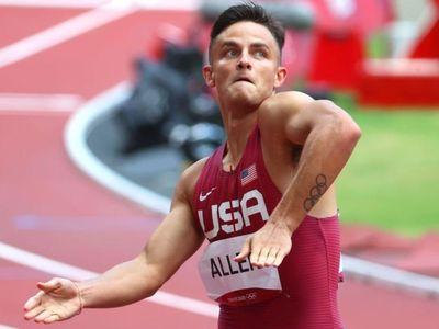Sáng 4/8, Devon Allen đã thực hiện màn nhảy sau khi giành quyền vào chung kết đường chạy 110 m rào nam Olympic Tokyo.