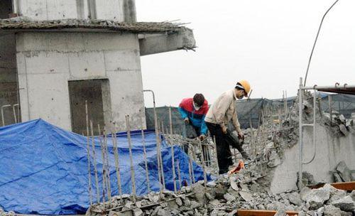 Xây dựng vượt tầng, xử lý thế nào?