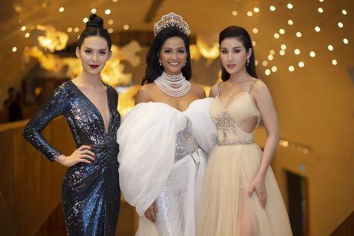 Dàn Hoa hậu khoe sắc tại buổi công bố cuộc thi Hoa hậu Hoàn vũ 2019