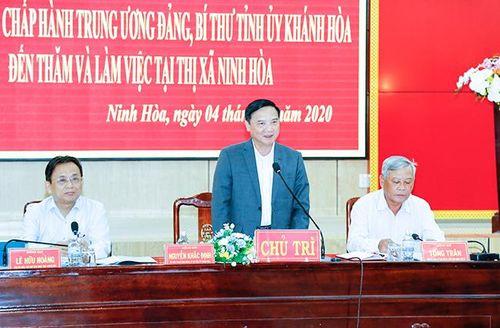 Bí thư Tỉnh ủy Nguyễn Khắc Định làm việc tại Ninh Hòa