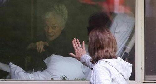 Bi kịch phía sau cánh cửa các viện dưỡng lão ở Pháp