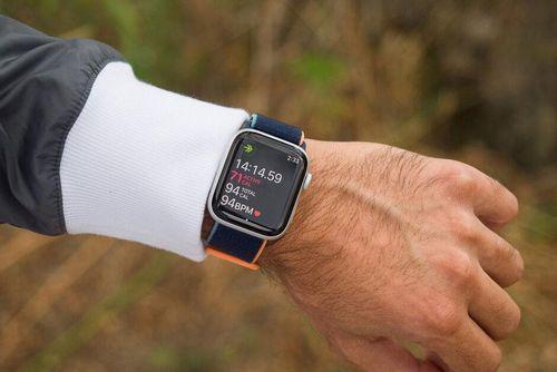 Đánh giá Apple Watch SE: Tốt nhưng đắt