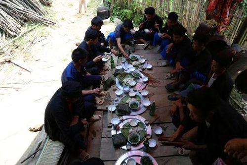 Cao Bằng: Độc đáo bữa cơm mời khách của người Lô Lô đen