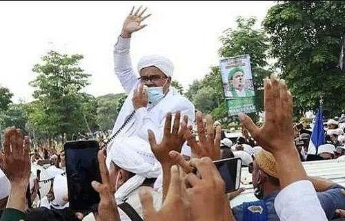 Chính trị Indonesia: Nguy cơ bất ổn sau khi 'giáo sĩ lửa' hồi hương