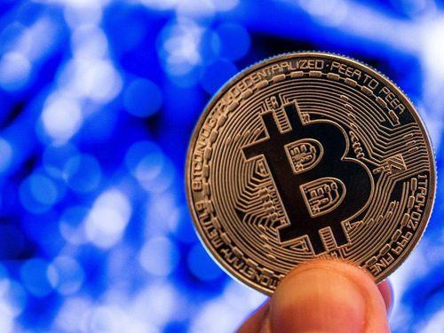 Bitcoin được dự đoán vượt mốc 10.000 USD