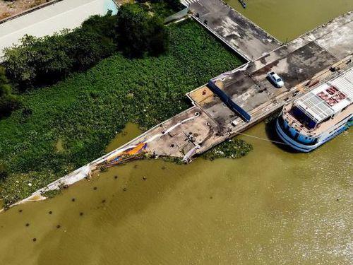Đảm bảo giao thông quá trình thanh thải cầu cảng Ba Son bị sập