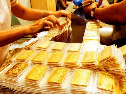 Giá vàng thế giới bật tăng mạnh, vàng trong nước lại vượt mốc 39 triệu đồng/lượng