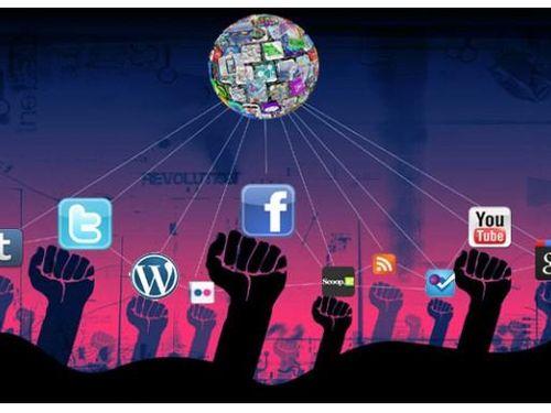 Ứng xử mạng xã hội: 'Quyền lực thứ 5', được và mất?