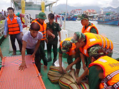 Huy động lực lượng phương tiện tìm kiếm ngư dân mất tích do chìm tàu