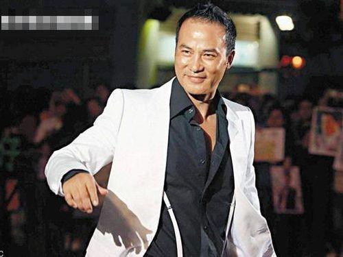 'Ông trùm showbiz' Hong Kong Nhậm Đạt Hoa bị hành hung là do 'đâm nhầm'?