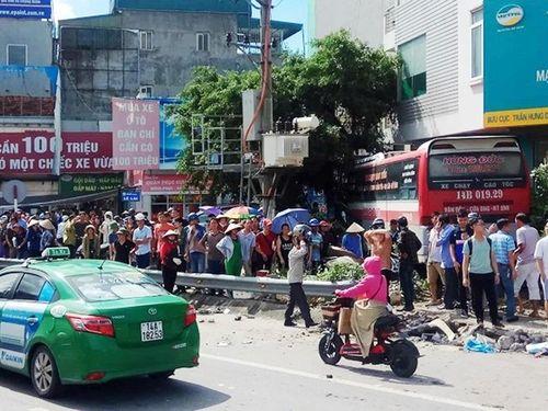Khởi tố vụ xe khách đâm thương vong 5 người ở Quảng Ninh