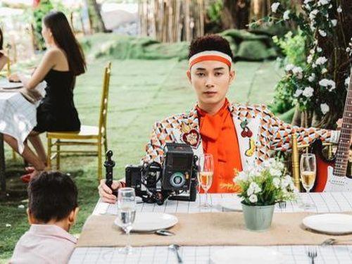 Ca sĩ Trúc Nhân lấp lửng chuyện đồng tính trong MV mới
